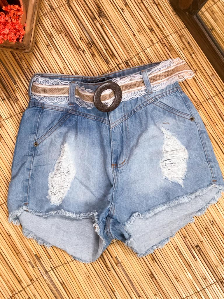 SHORT JEANS SEM ELASTANO DESTROYED COM CINTO