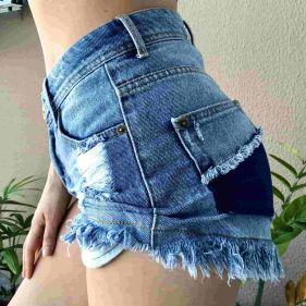 Short Jeans Destroyed Pocket