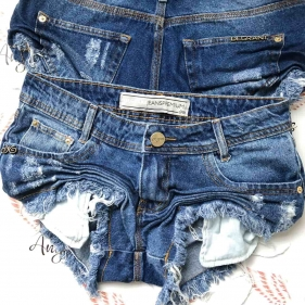 Short Jeans Médio Destroyed