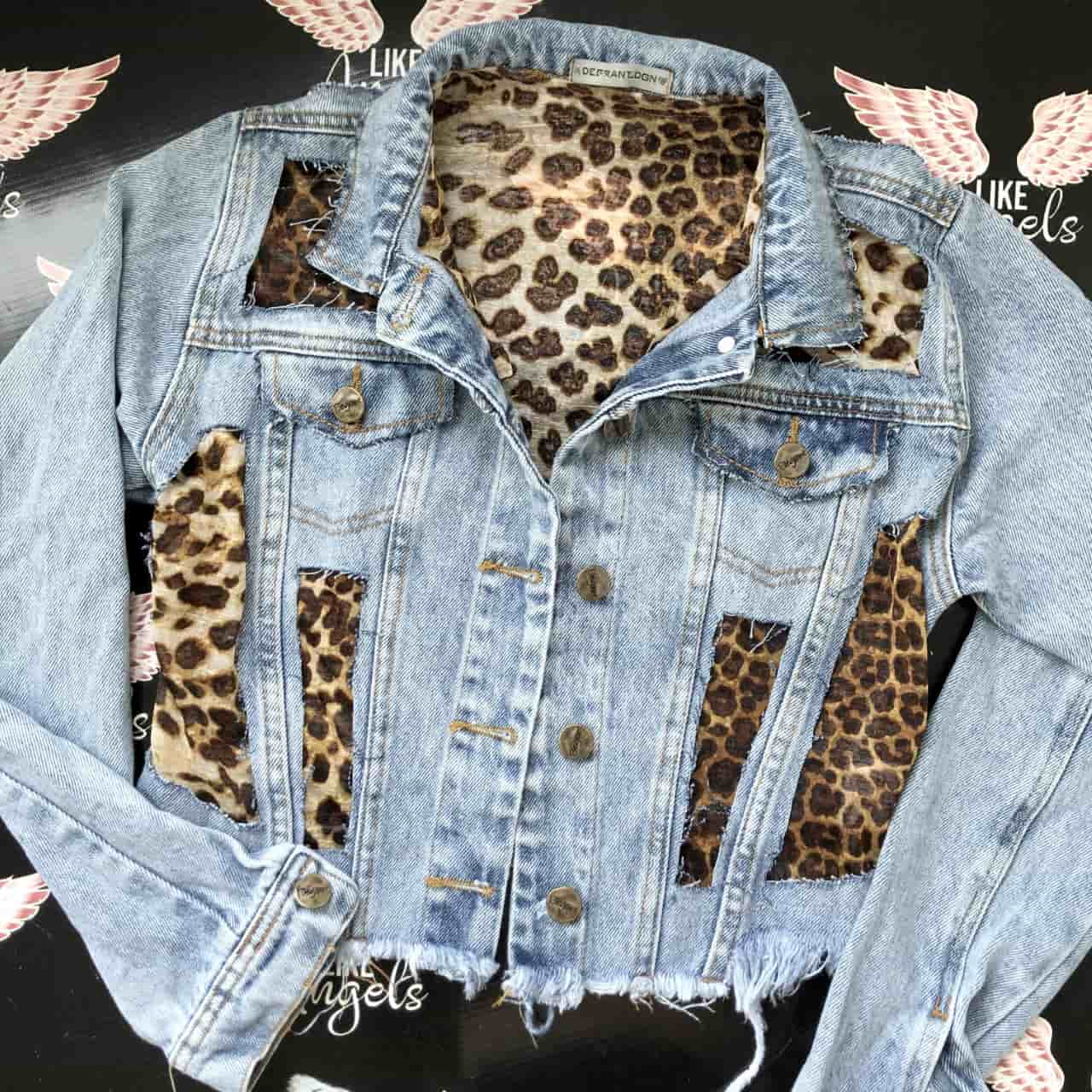 Jaqueta Jeans Cropped Animal Print