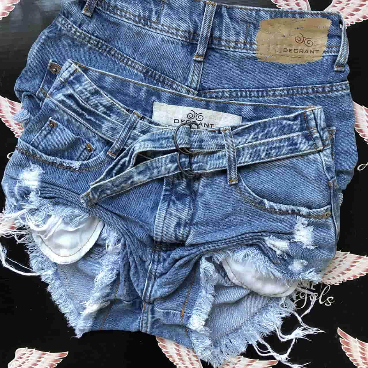 Short Jeans com Cinto Dulplo Loop