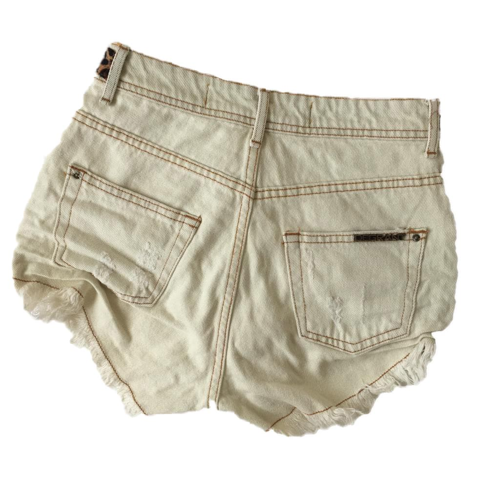 Short Jeans Feminino Degrant Cintura Alta Off White Animal Print