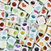 Miçanga Colorida / Infantil - Cubo Corações