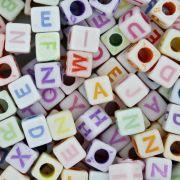 Miçanga Colorida / Infantil - Letras Cubo