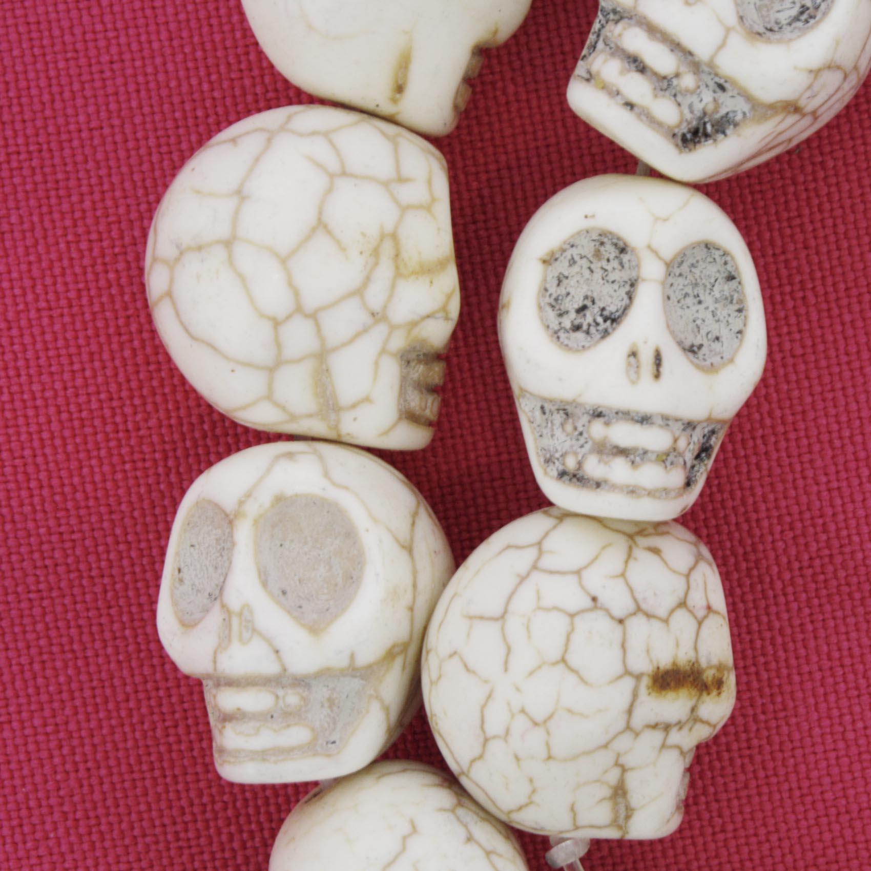 Fio de Caveira de Pedra - Branca - Média - 18x15mm  - Stéphanie Bijoux® - Peças para Bijuterias e Artesanato