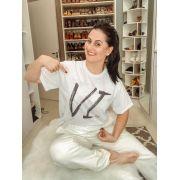 "Camiseta - Abraço - ""VI"" - Pijama"
