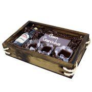 Estojo de Madeira Cachaça Artesanal com Barra e Copinhos de Chocolate Belga