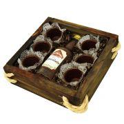 Estojo de Madeira Licor com Copinhos de Chocolate Belga