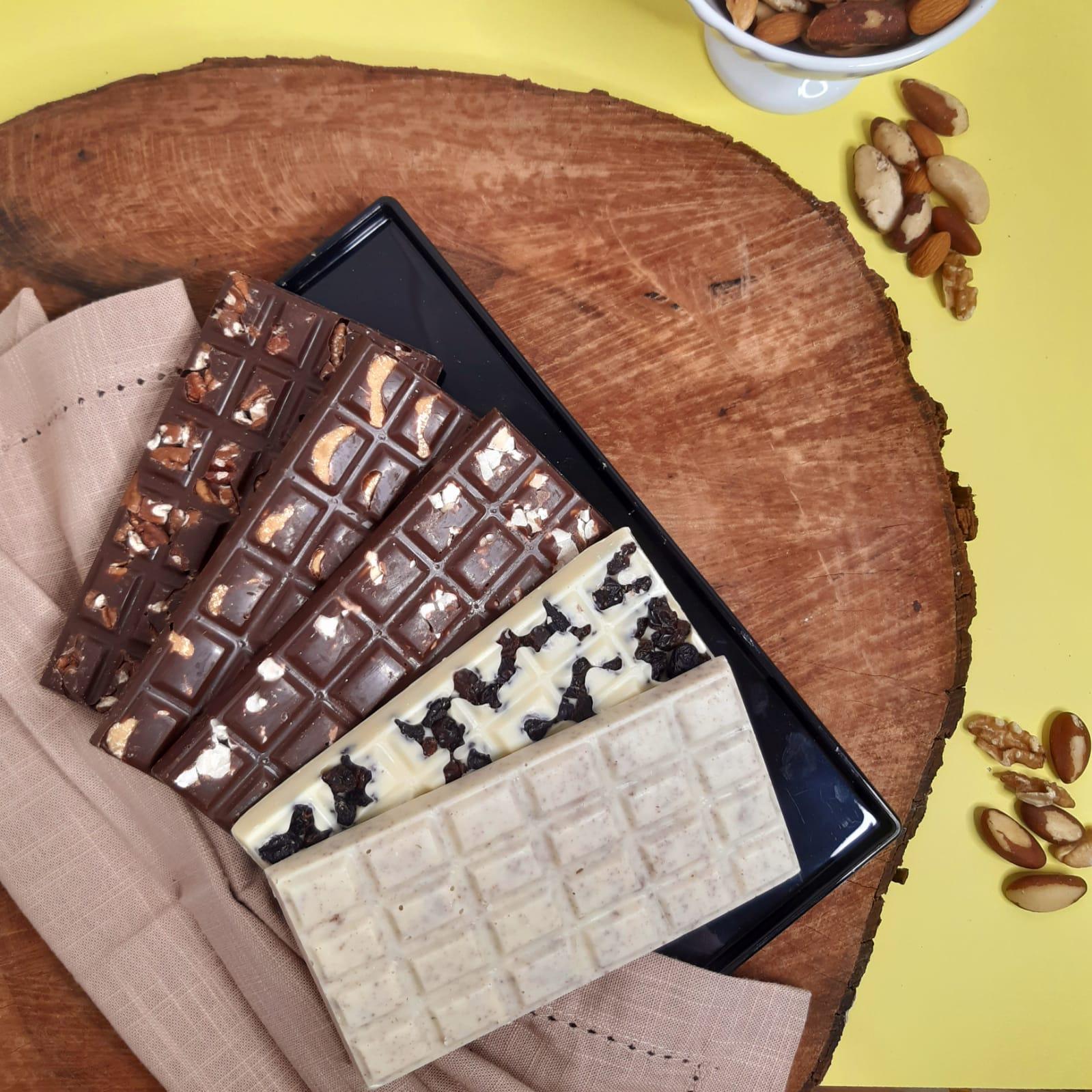 Kit - 3 Barras de Chocolate ao Leite Belga com Nuts + 2 Barras de Chocolate Branco exclusivas