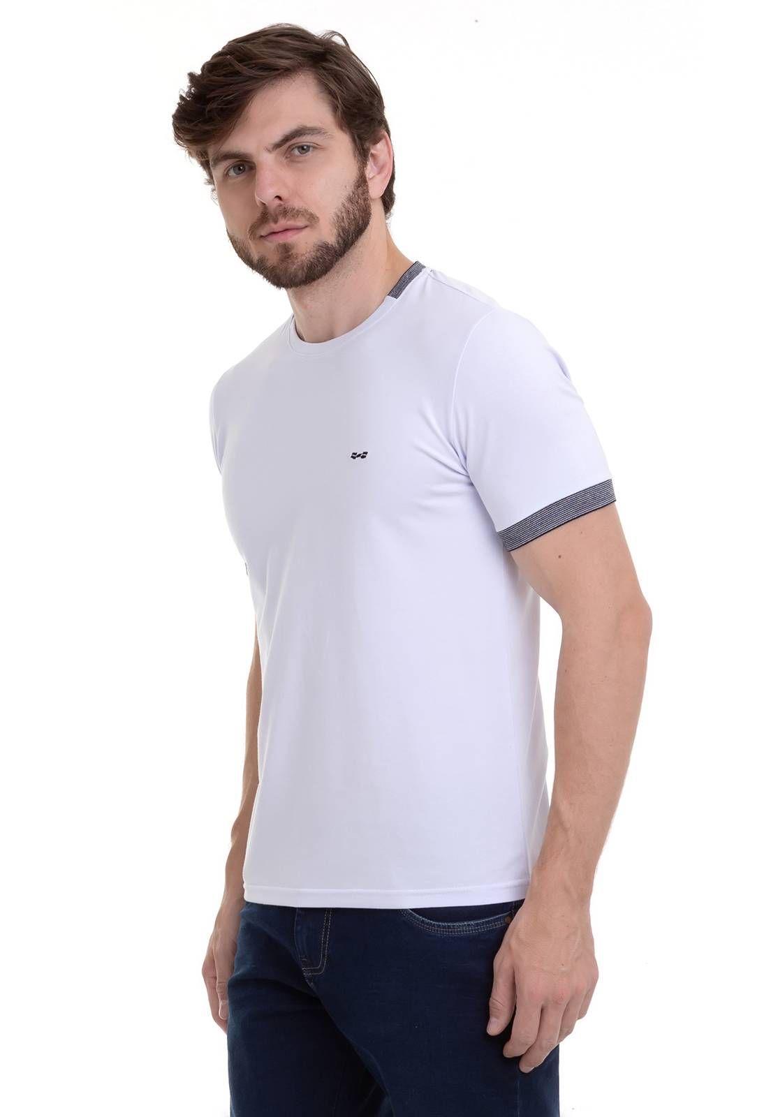 Camiseta Diferenciada Com Detalhe Branca