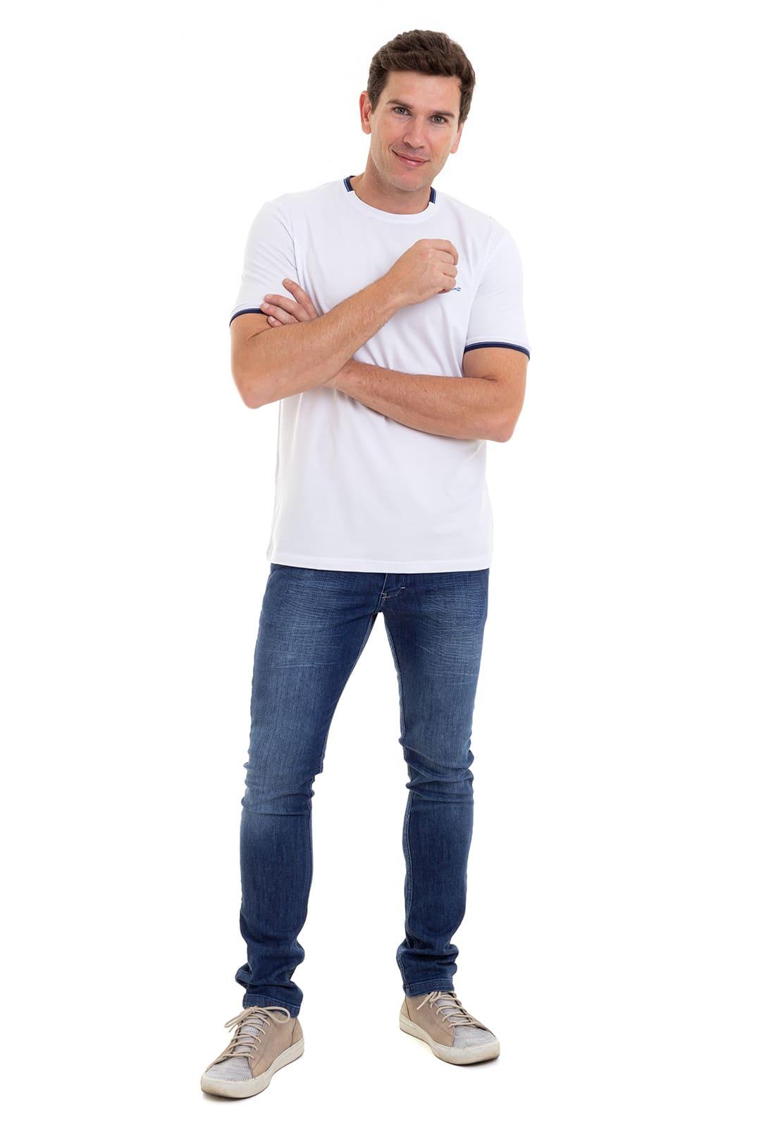 Camiseta Hifen Diferenciada com Detalhes