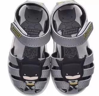 0e677489e8d Papete Meninos Liga Justiça Batman Cinza Grendene - Clique+ Calçados