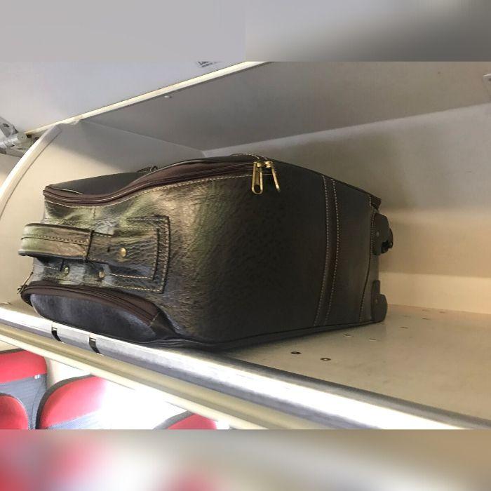 Mala Viagem a Bordo de Couro Preta com Rodas HP308 | HAMISH