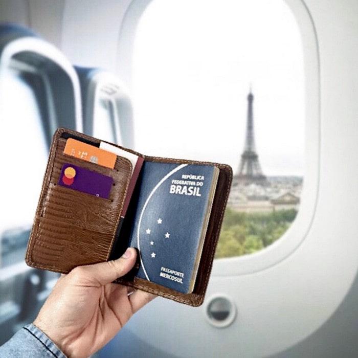 Porta Passaporte e Cartões de Couro Marrom Whisky | HAMISH
