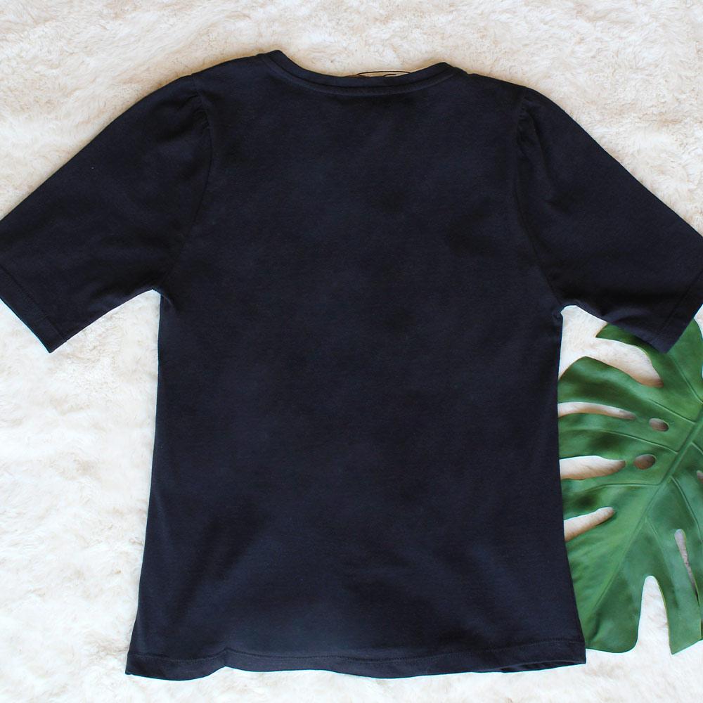Camiseta em Malha com Bordado Cosmic Preta HIT  - Lemis