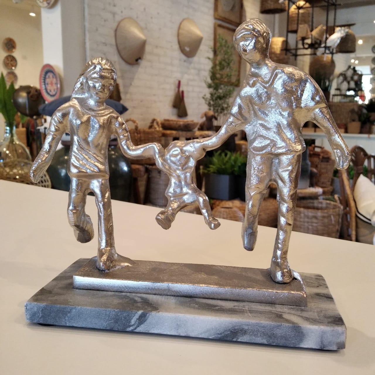 Escultura da Família em Alumínio  - Lemis