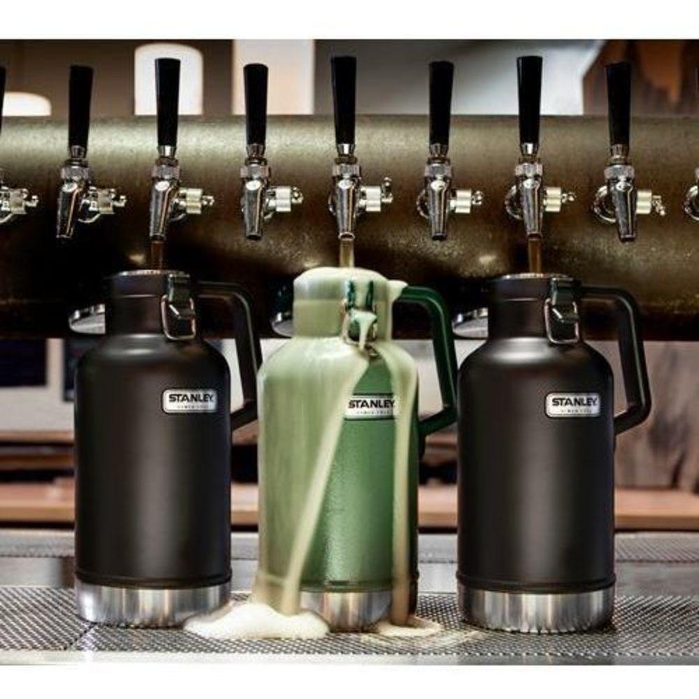 Garrafa Stanley para Cerveja Gelada o Dia Todo 1,9L Preto