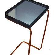 Mesa de Apoio Sofá Bandeja Espelhada Laca Preta Base Bronze