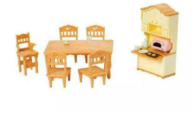 Conjunto Sala Jantar Clássica Sylvanian Families Epoch 5340