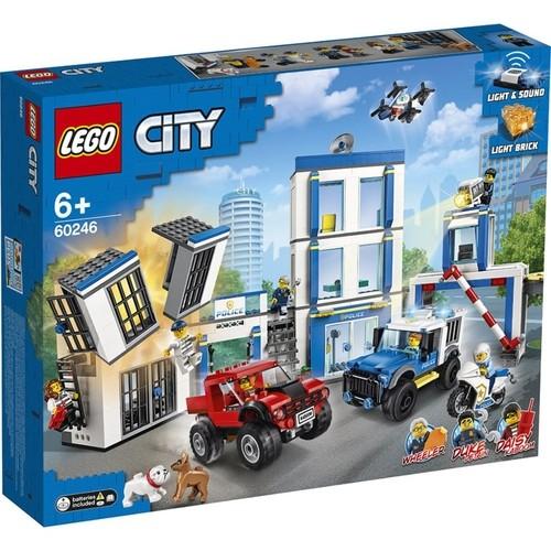 Lego City Delegacia de Policia com 743 Peças - 60246