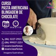 27/05- Curso de Pasta americana prático com blindagem de chocolate, com Verônica Ferraz, das  9h às  17:00h