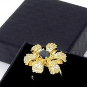 Anel Flor Cravejado De Zirconias Banho De Ouro 18k 1900