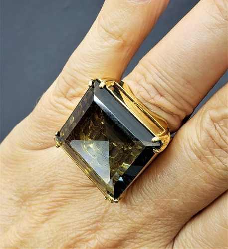 Anel De Pedra Cristal Com Forro Desenhado Banho De Ouro 18k 380