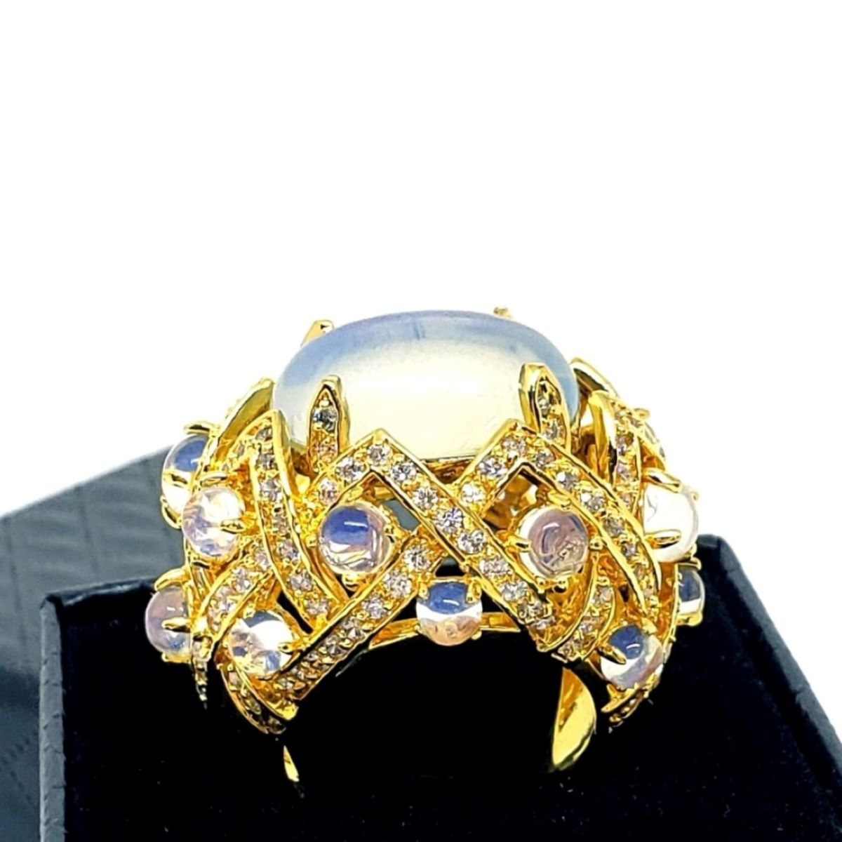 Anel Cristal Com Perolados e Cravejado Xadrez De Zirconias Banho De Ouro 18K 1410