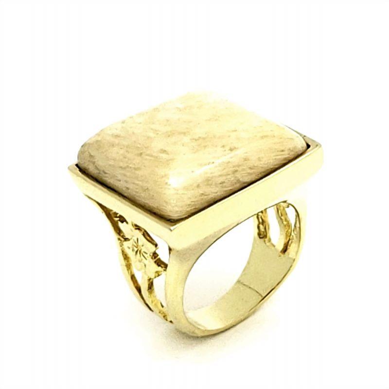 Anel Com Pedra Cabochon Aro Flor Vazada Banho De Ouro 18k 2210