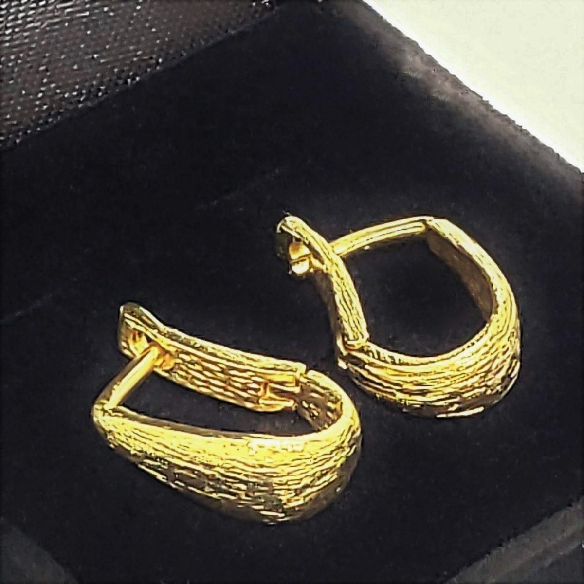 Brincos Argolas Estilizadas Banho De Ouro 18k 1362