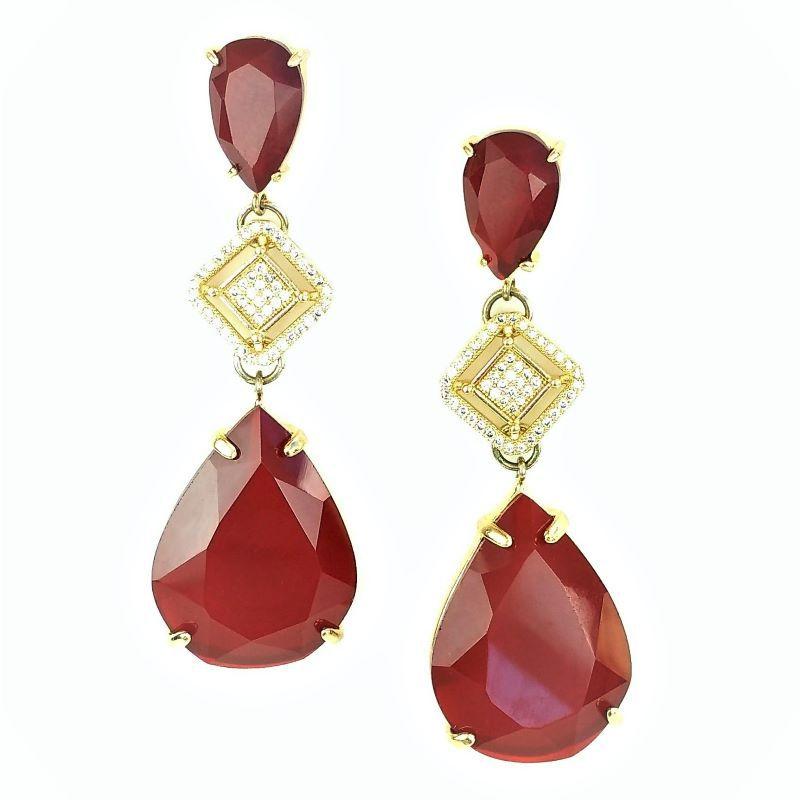 Brincos De Pedra Cristal Vermelho Granada Cravejado De Zirconias Banho De Ouro 18k 399
