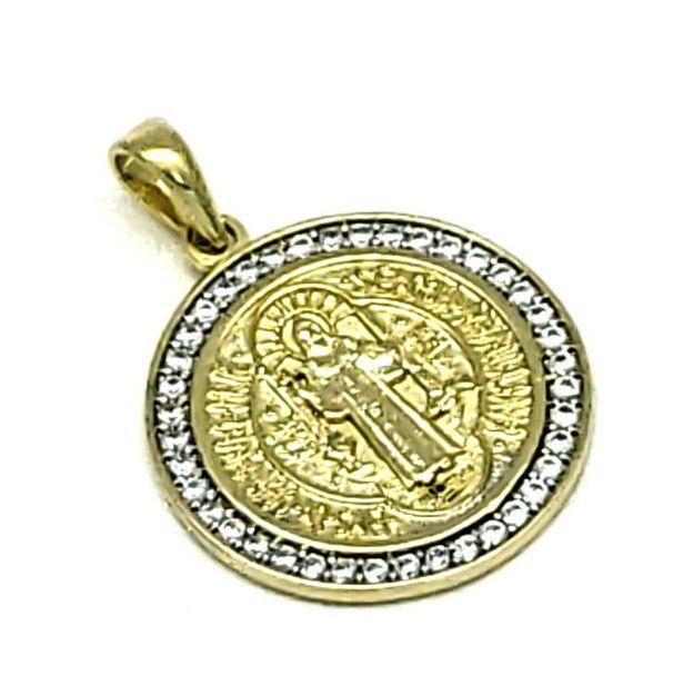 Pingente Medalha São Bento Cravejado Zirconias 25mm Banho De Ouro 18k 4726