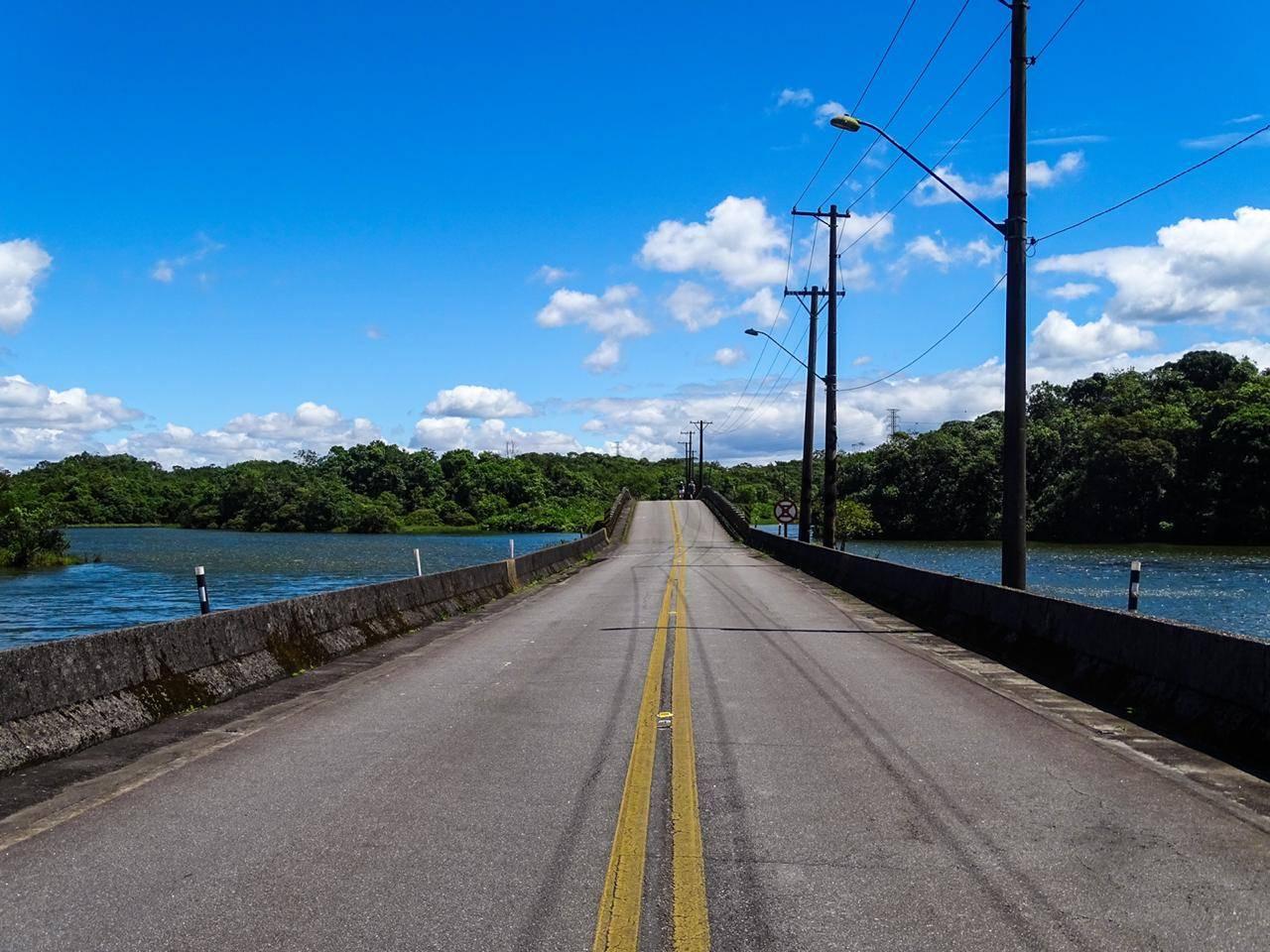 Caminhada pela Estrada Velha de Santos