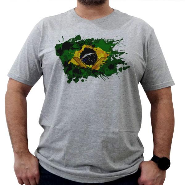 Camiseta Esquadro e Compasso em Bandeira Estilizada