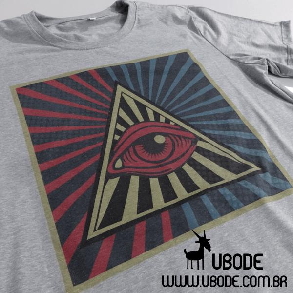 Camiseta o Olho que Tudo Vê Vintage
