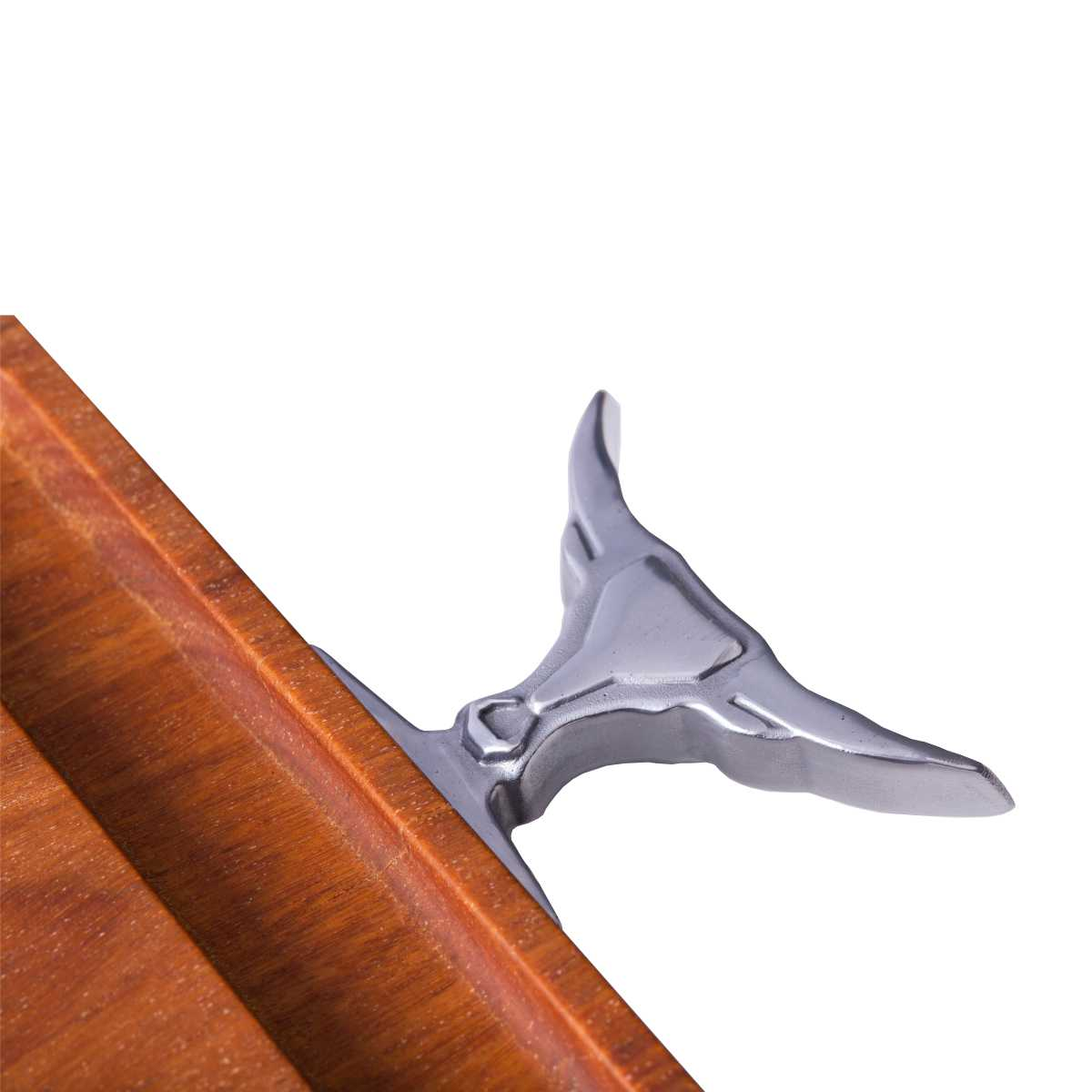 Tábua de Corte Lisa em Madeira 55 X 28,5 X 3 cm Pegadores em Alumínio Fundido Bull Neck