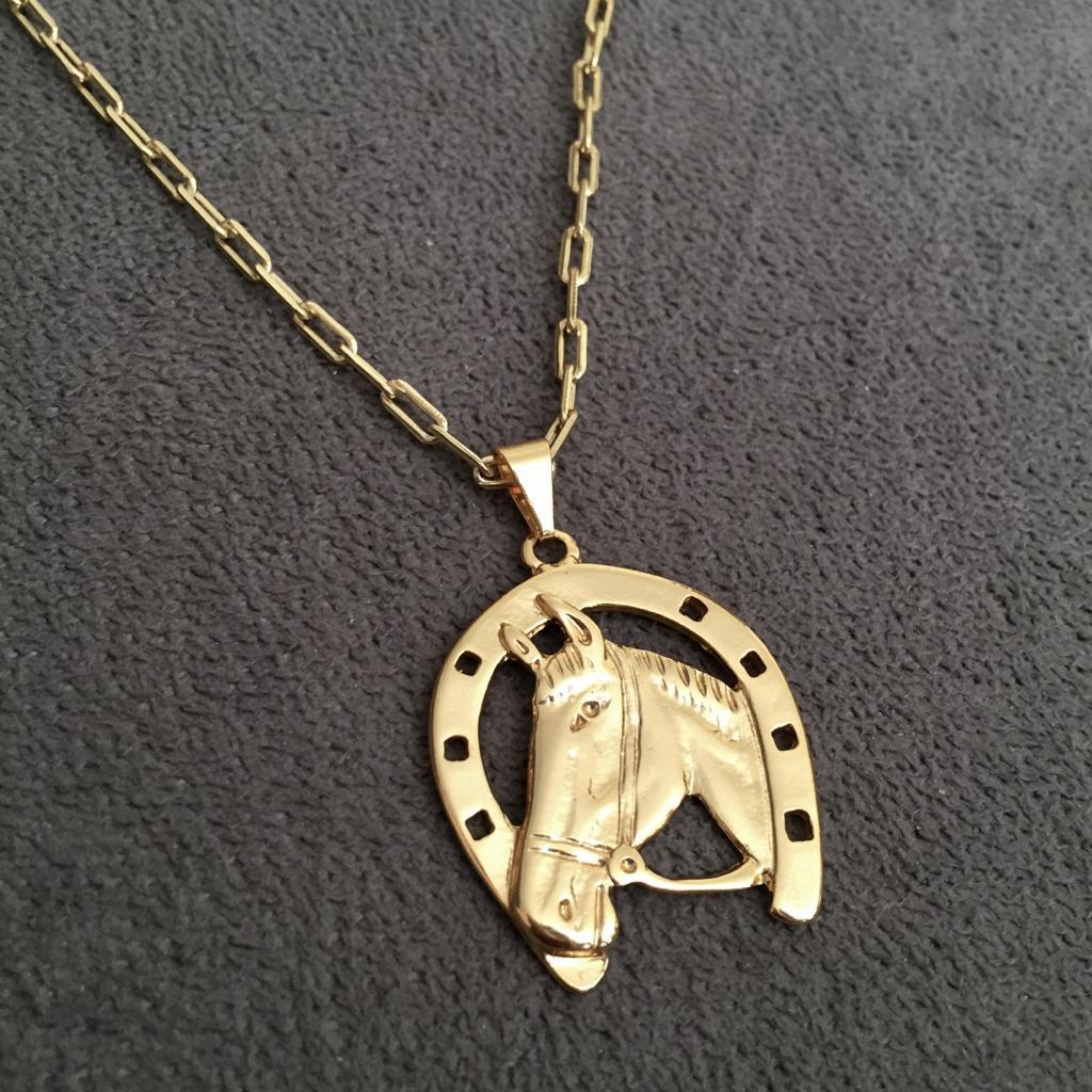 49838d0fdf6 Cordão Cartier 3mm + Pingente Ferradura Banhado a Ouro 18k - Magnata Joias  ...