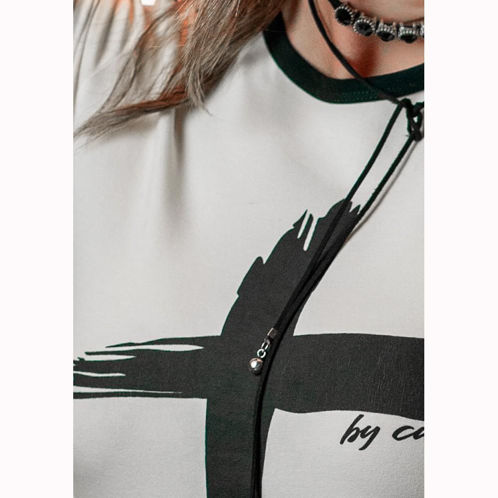 Camiseta Feminina Cruz Branca e Preta By Cura - Soul da Paz