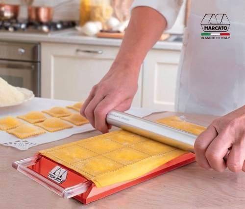 Molde para Ravioli Marcato Tablet original Vermelho com Rolo em Alumínio