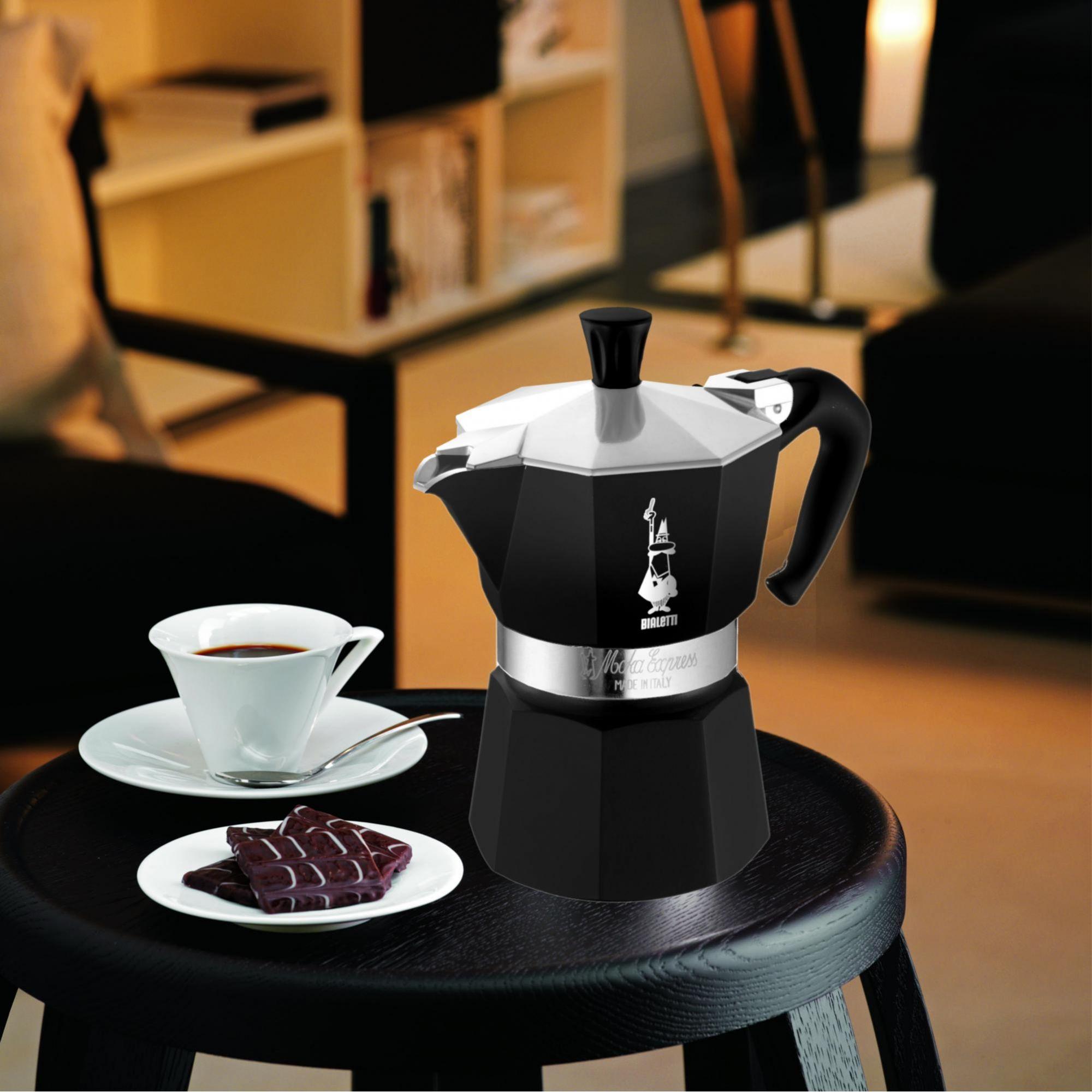 Cafeteira italiana Bialetti Moka Express Preta 3 Xícaras