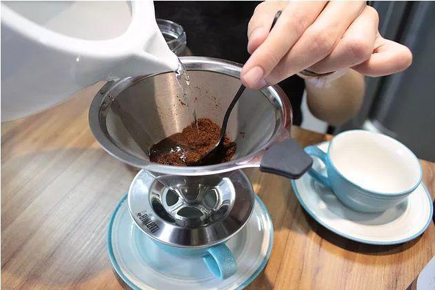 Coador de café pour over Italia em aço Inox 18/10 Bialetti