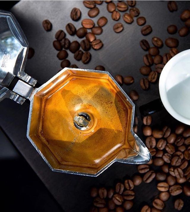 Kit Cafeteira Italiana Moka Express 4 Xícaras + 3 Borrachas de Vedação Bialetti