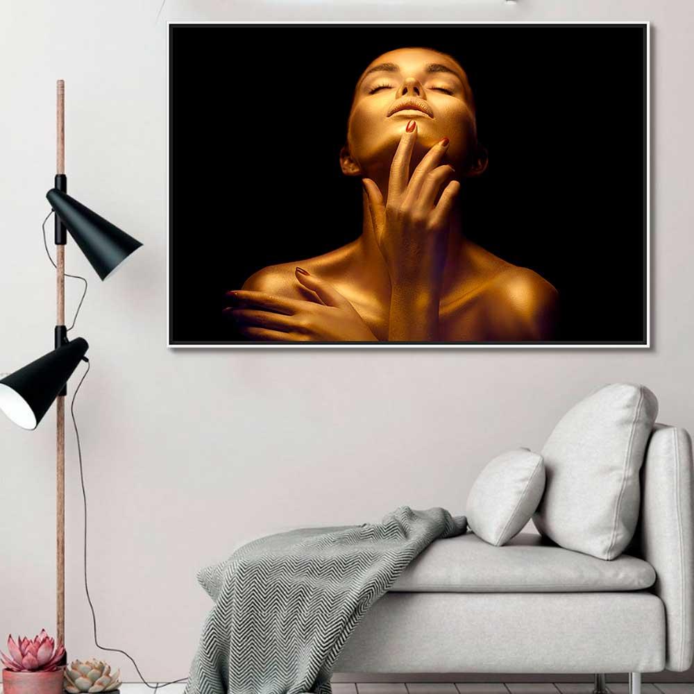 Quadros Decorativos em Tecido Canvas - Mulher Fundo Preto e Maquiagem Gold