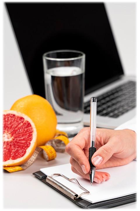 Consulta com Nutricionista - Izabela Moscardini