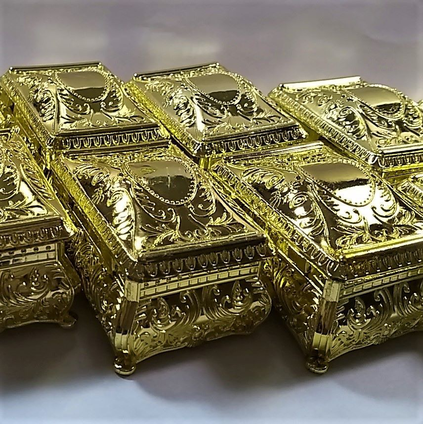 Porta Joias Caixinha Dourada -  12 peças  - SanBiju