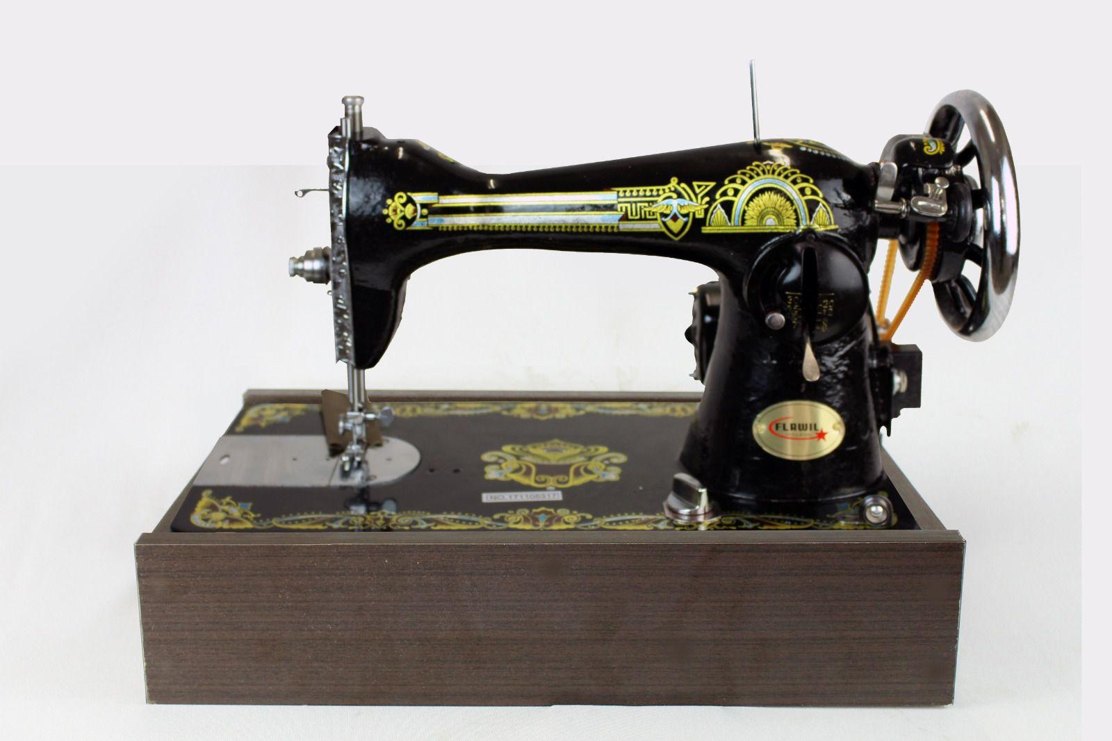 Máquina De Costura Reta Semi-industrial Flawil Com Base