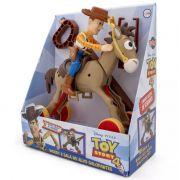 Brinquedo Toy Story 4 Empurrador Woody Bala no Alvo - Toyng
