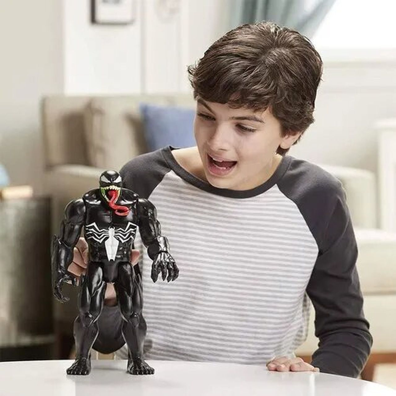 Spider Man Figura Titan Hero Maximum Venom 30cm Hasbro E8684