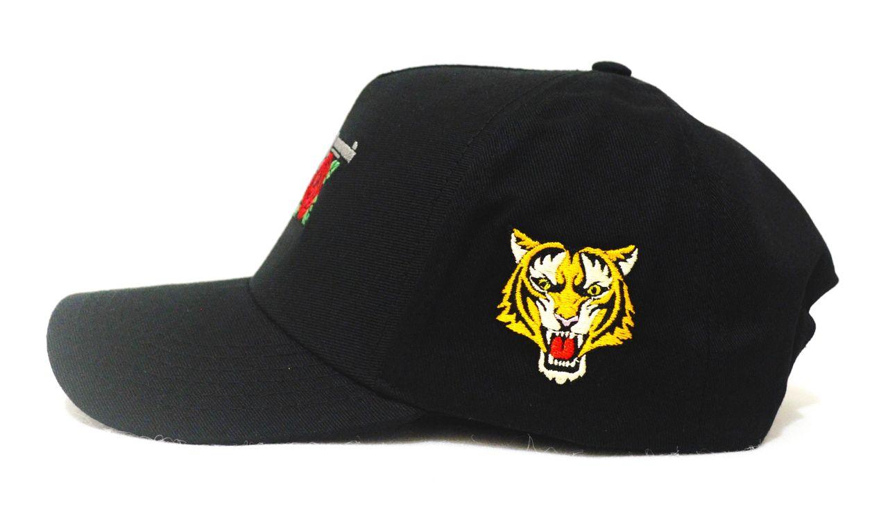 Boné Armas e Rosas Preto Tiger Aba Curva Snapback