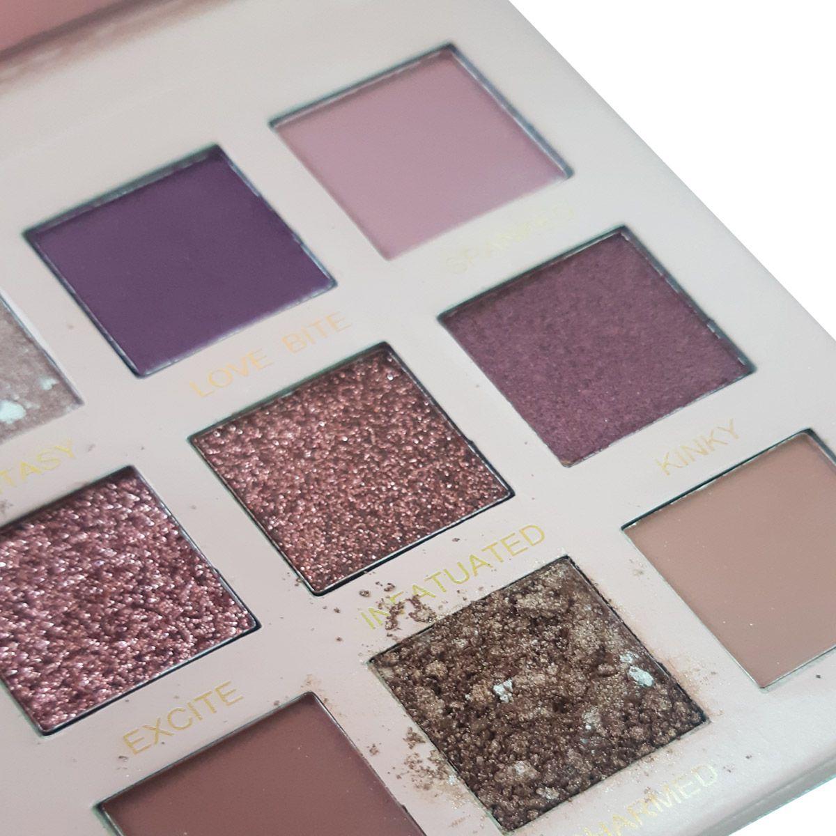 Paleta de Sombra Profissional Nude com 18 Cores COM DEFEITO